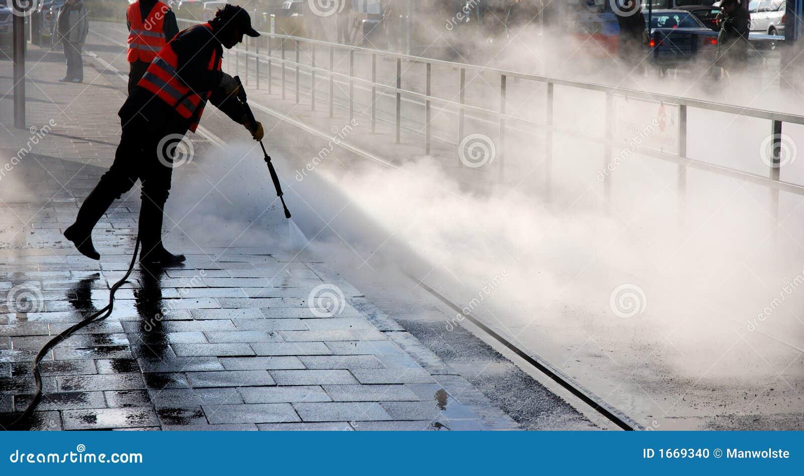 Limpieza de vapor foto de archivo imagen 1669340 - Robot de limpieza a vapor ...