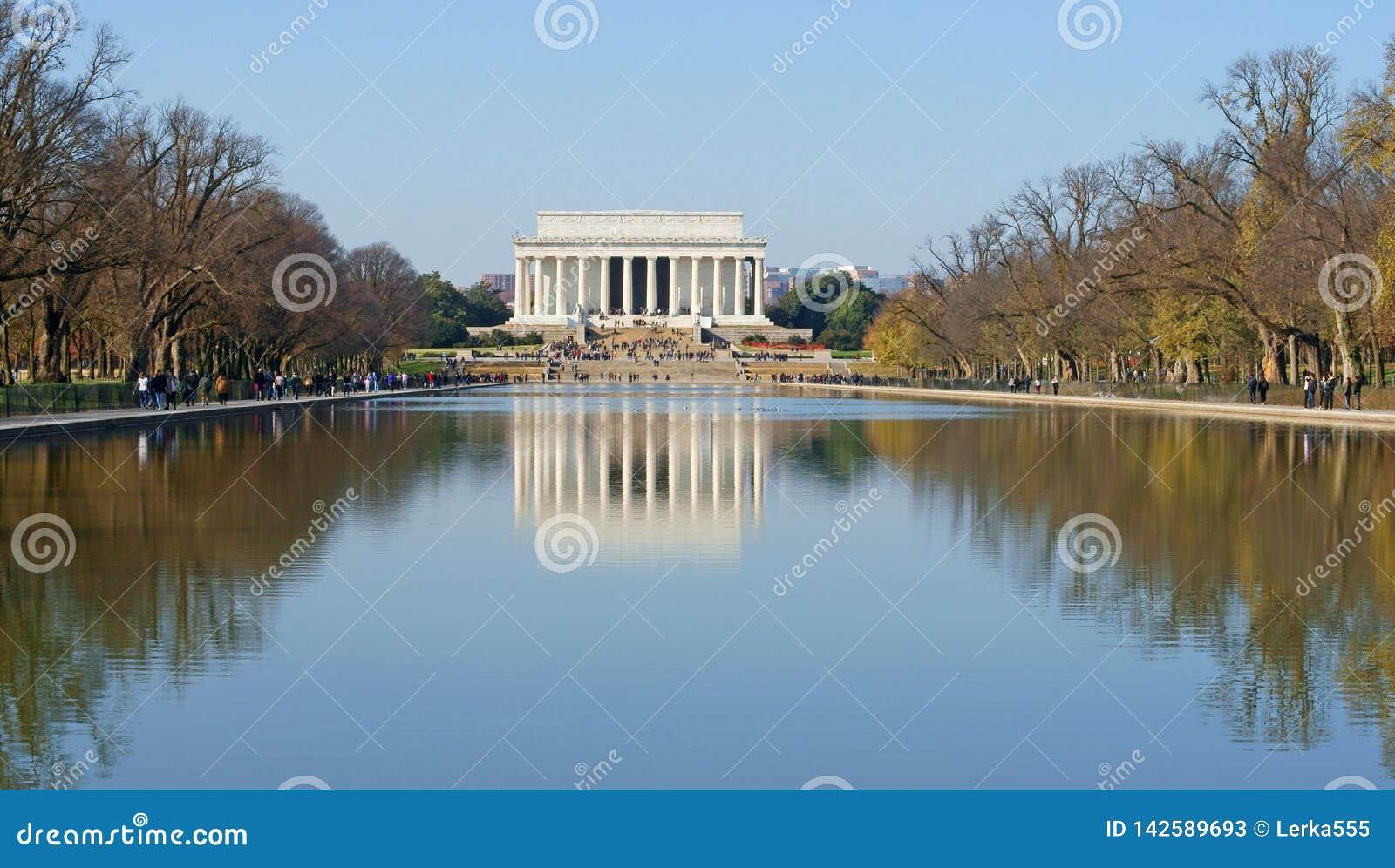Lincoln Memorial, Amerikaans nationaal die monument wordt gebouwd om 16de President van Verenigde Staten, Abraham Lincoln te eren