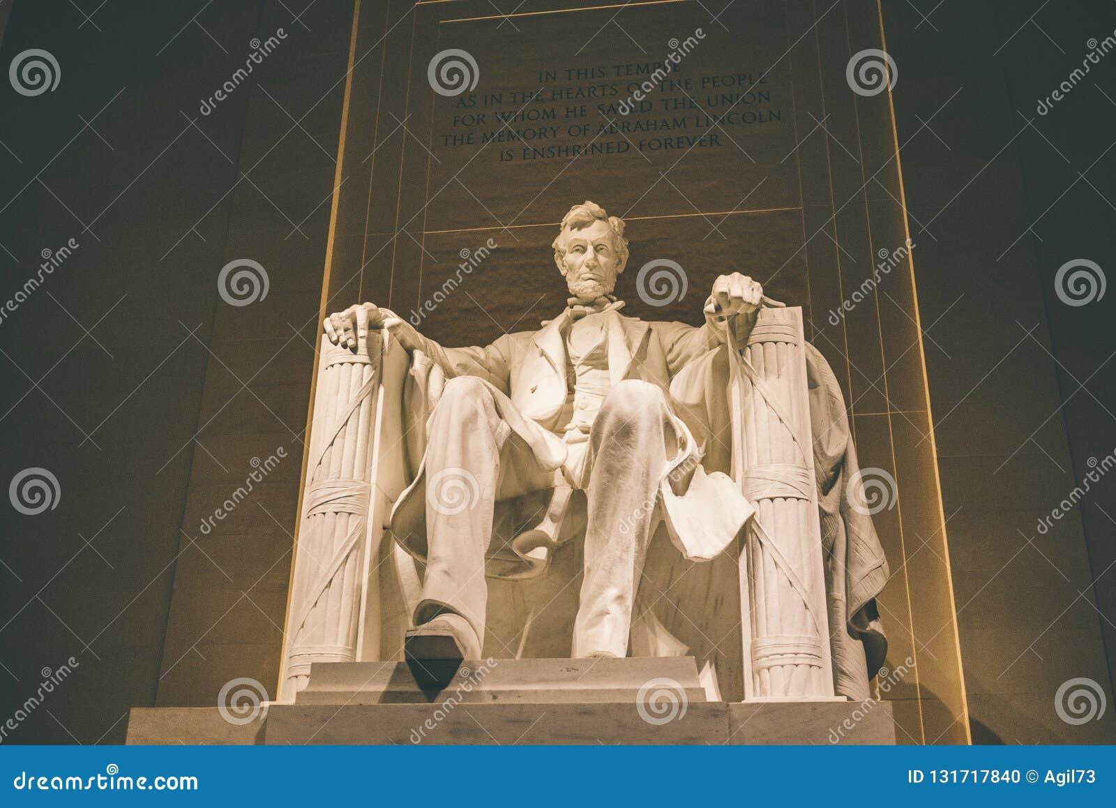 Lincoln Memorial Lit upp på natten