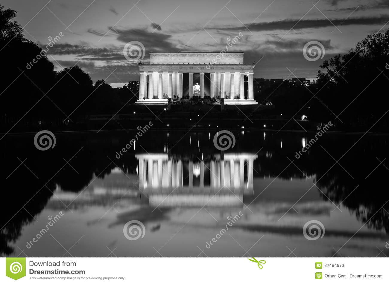 Lincoln Memorial and mirror reflection in black and white, Washington DC USA