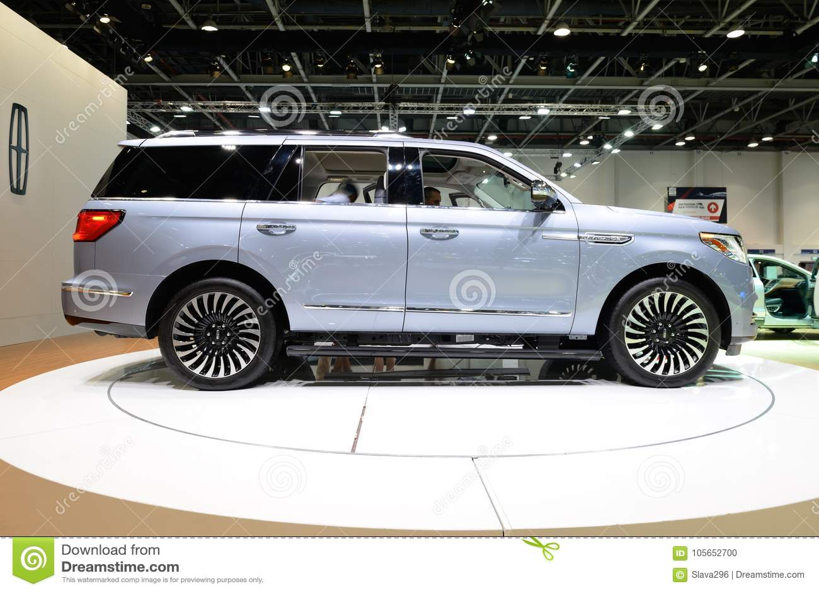 The Lincoln Navigator Car Is On Dubai Motor Show 2017 Editorial