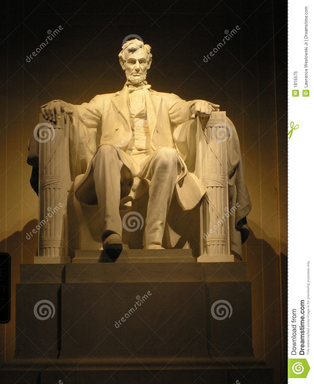 Lincoln s Statue at Night