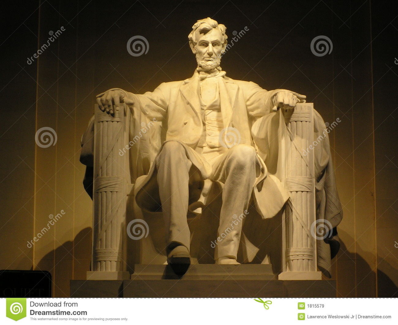 Lincoln s Statue at Night Widescreen Edition