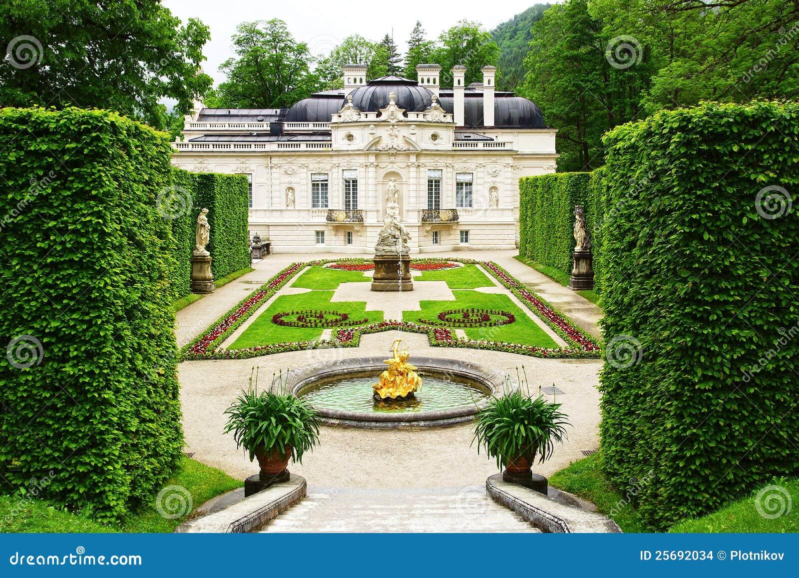 Linderhof Palace Garden. Stock Images - Image: 25692034