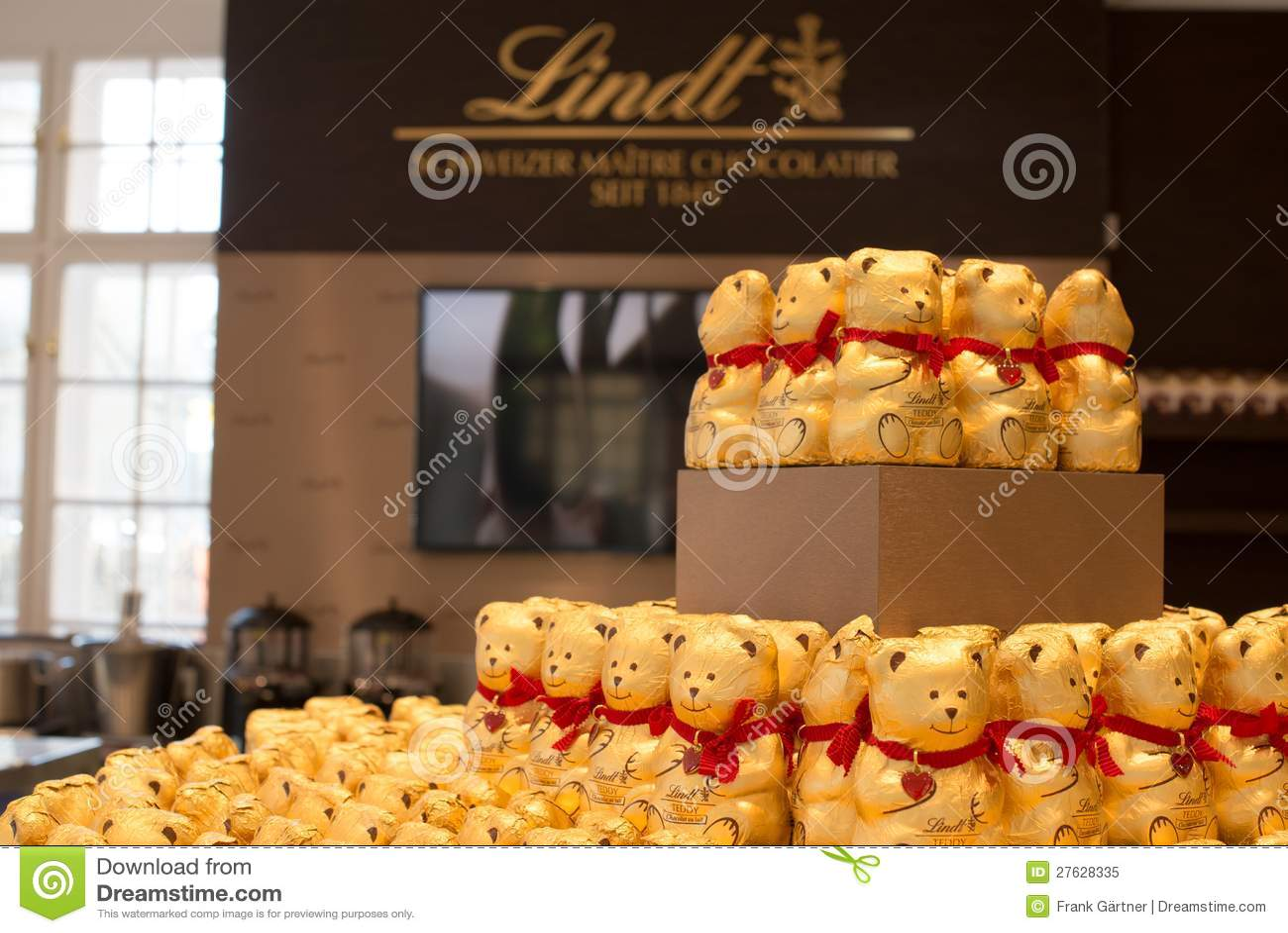 Lindt Chocolate Boutique In Vienna Austria Editorial