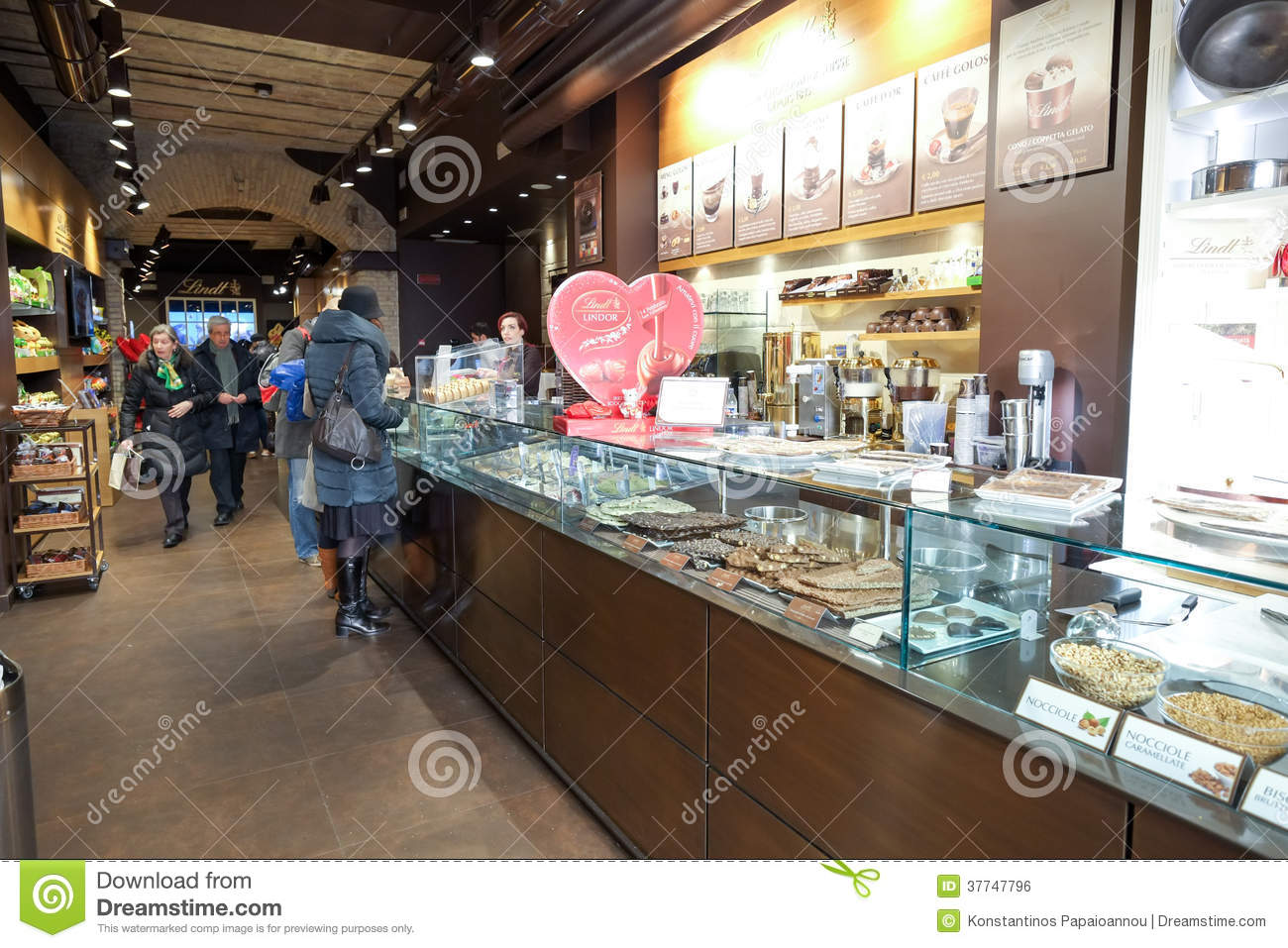 Lindt Chocolate And Sweet Shop Editorial Photo - Image: 37747796