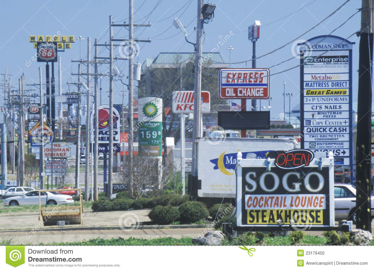 Gas Prices In California >> Line Of Fast Food Restaurants And Gas Stations Editorial Image - Image: 23179450
