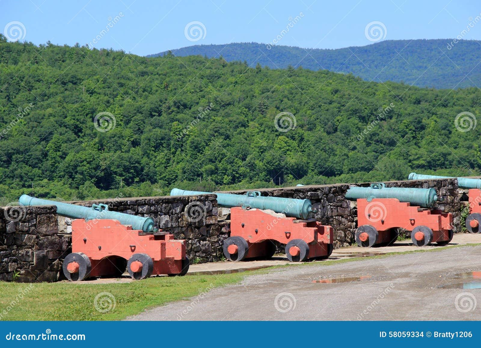 Linea di artiglieria pesante su Hudson River, Ticonderoga forte, New York, 2015