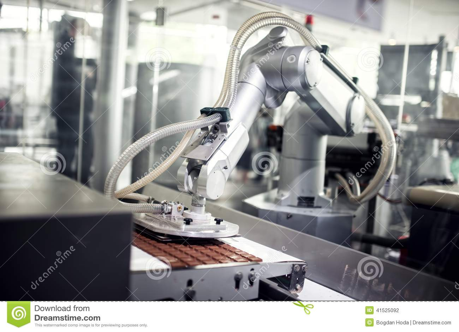 Linea di produzione del cioccolato in fabbrica industriale