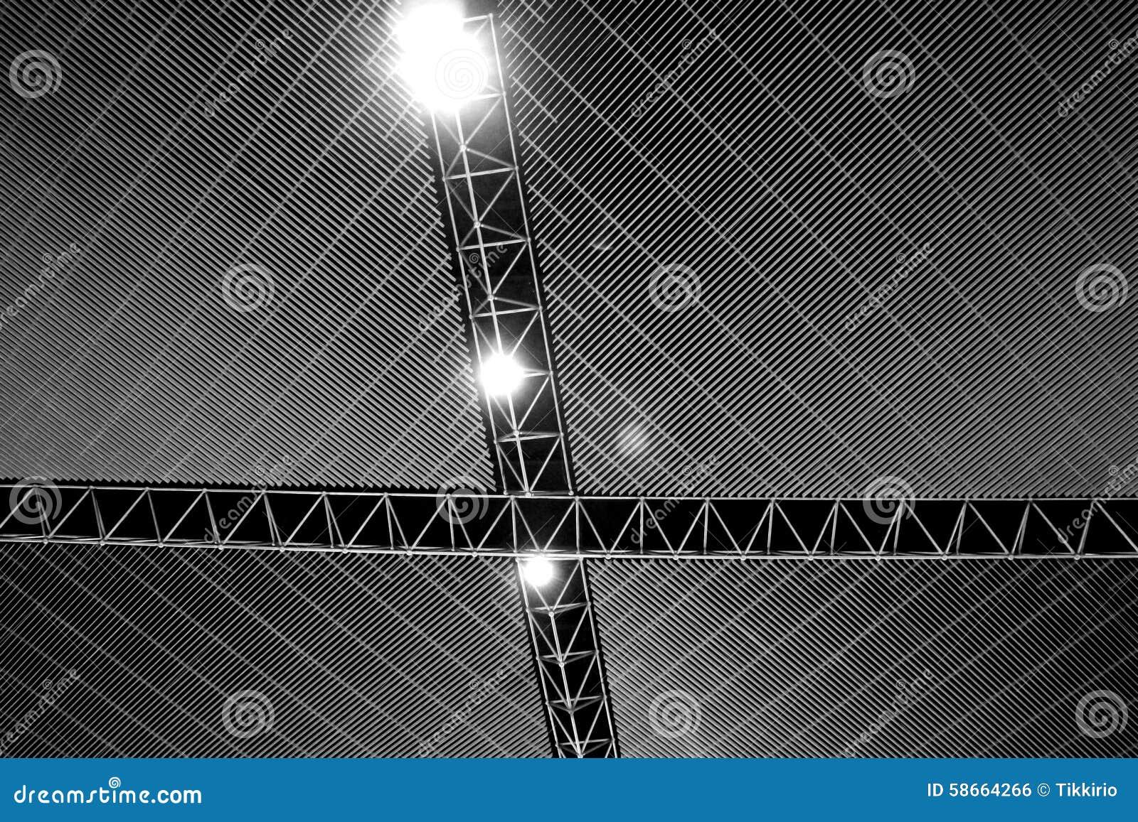 Plafoniere Tetto : Linee rette del tetto della struttura d acciaio plafoniere