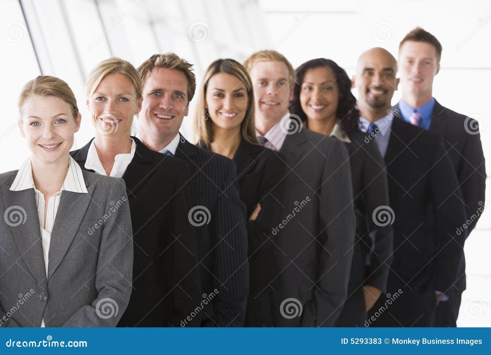 Linia biura, personelu