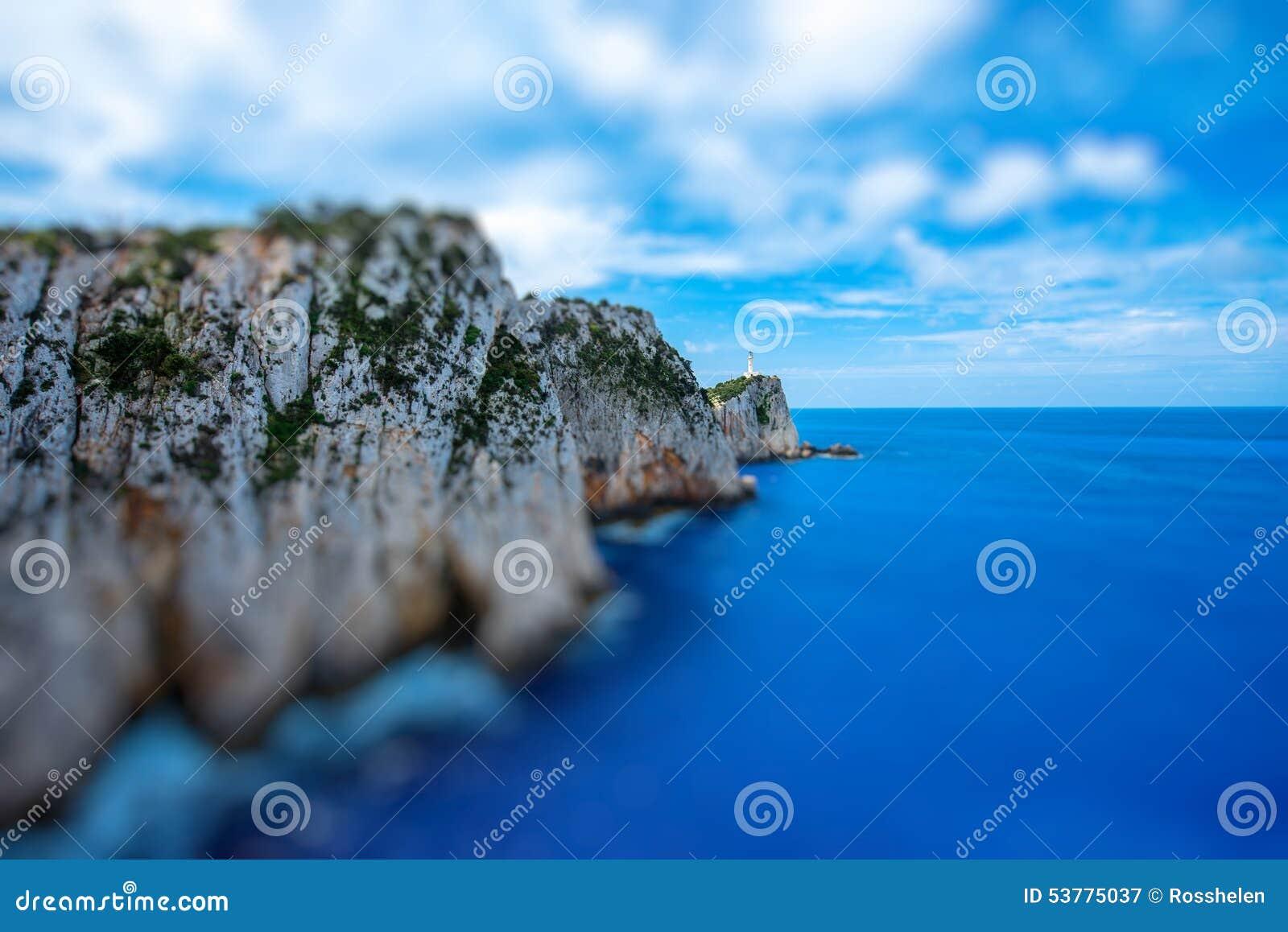 Linia brzegowa przy Lefkada wyspą w Grecja