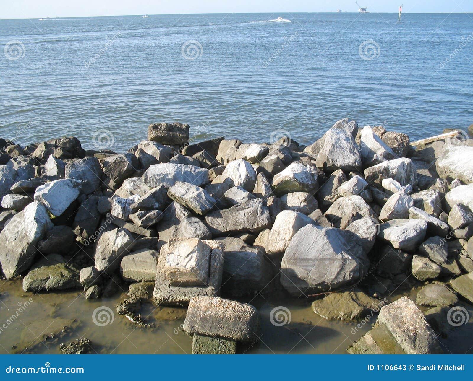 Linia brzegowa rocky