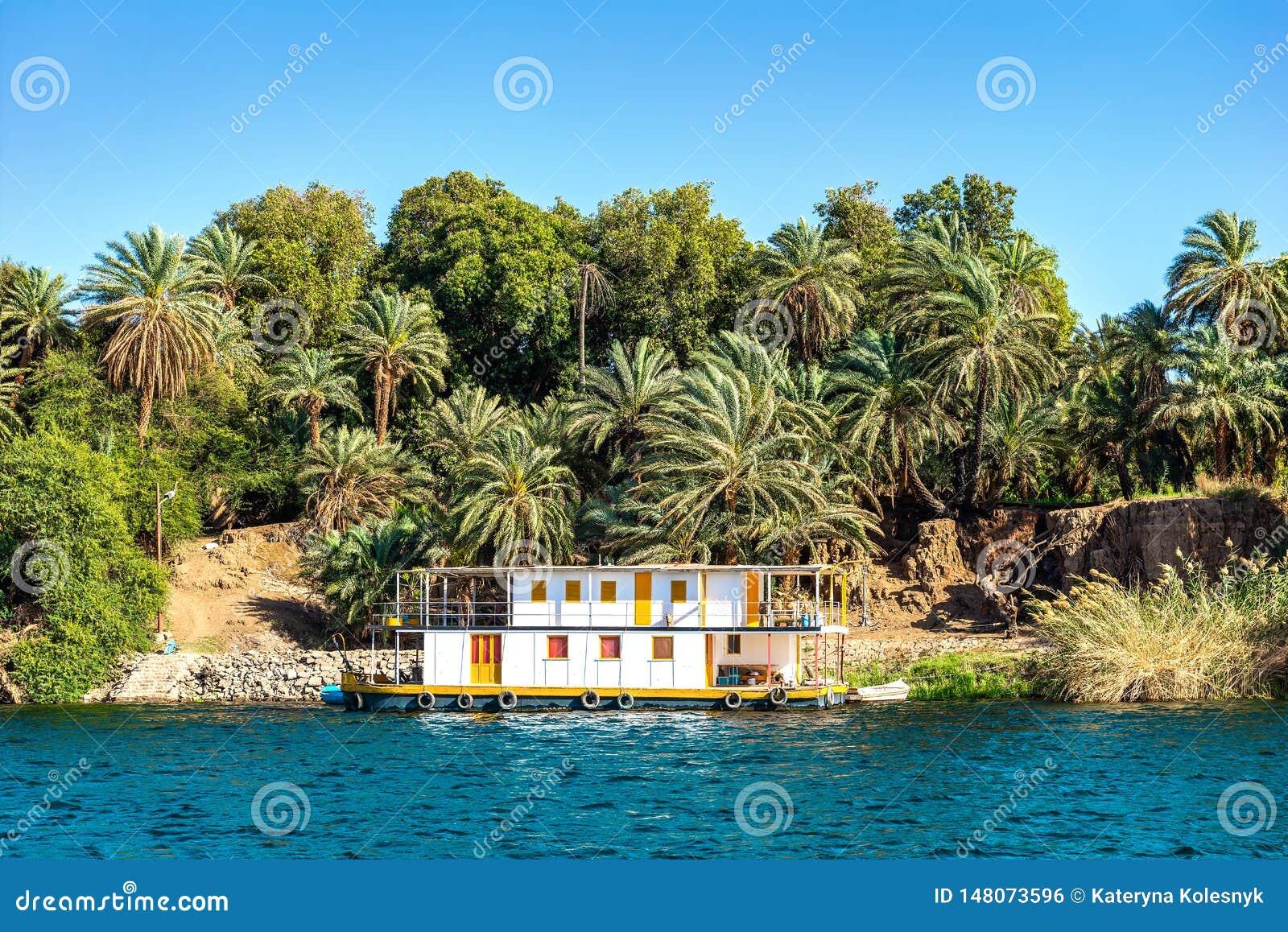 Linia brzegowa rzeczny Nil