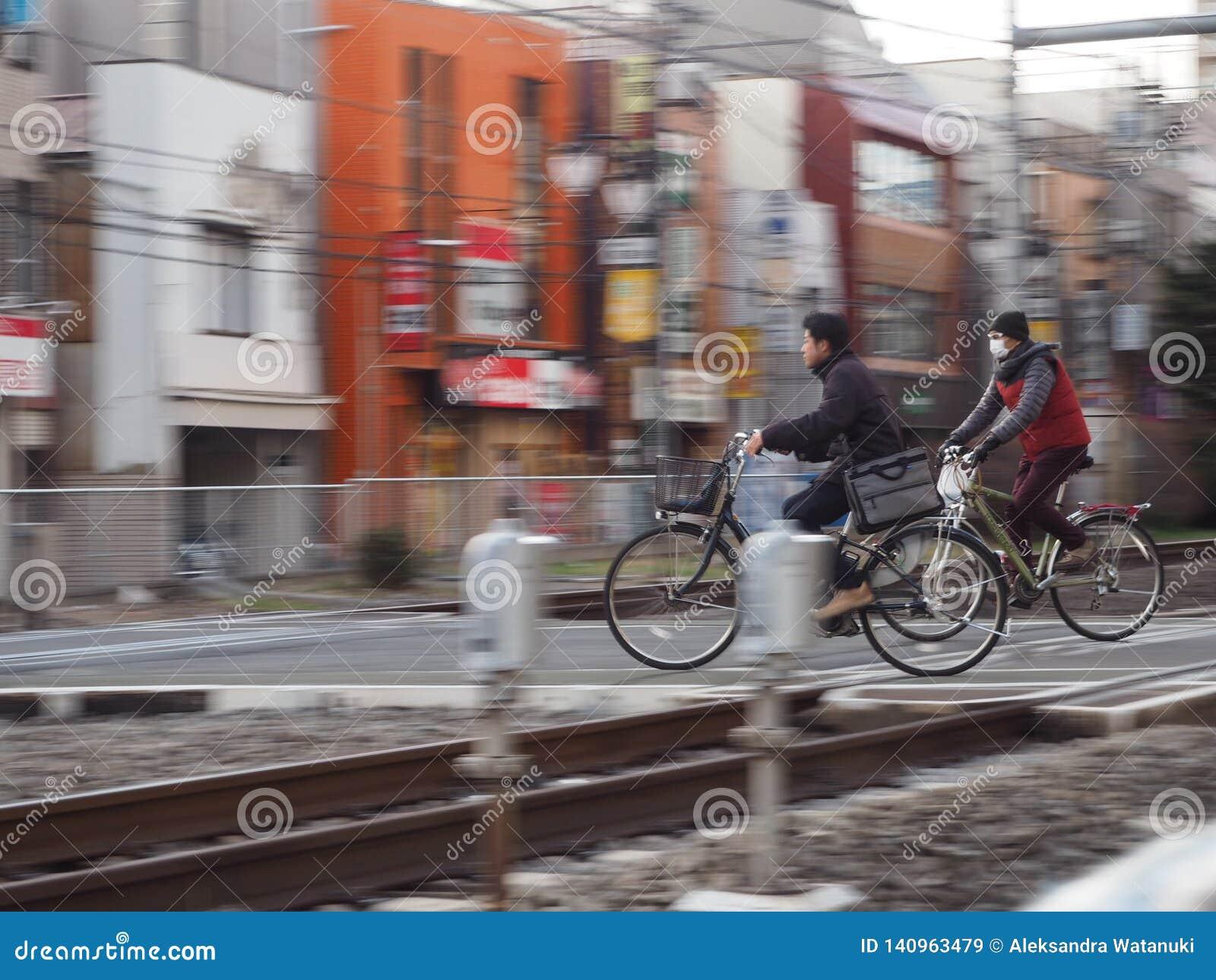 Linia kolejowa bicykle i skrzyżowanie
