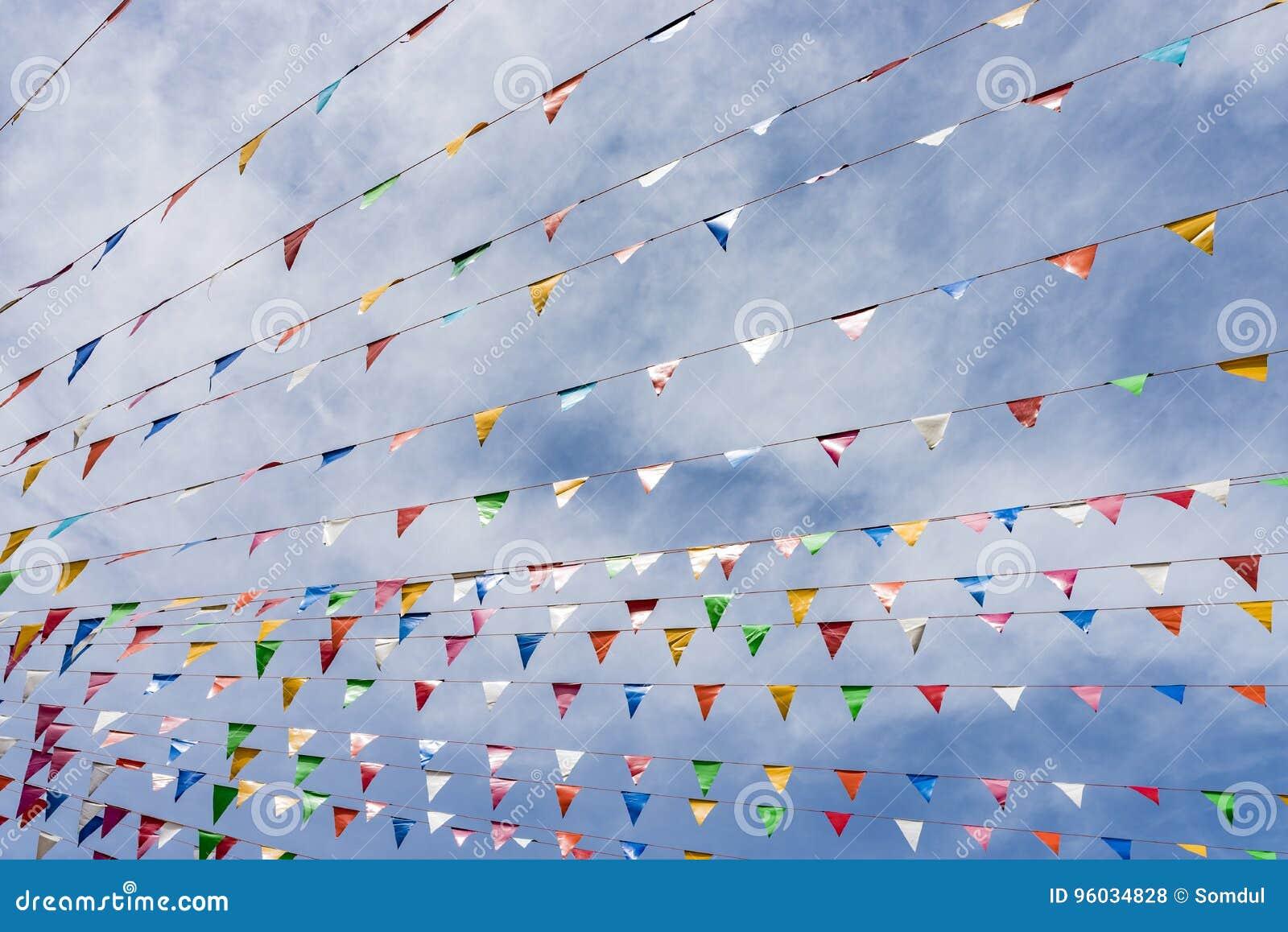 Linia kolorowe festiwal flaga