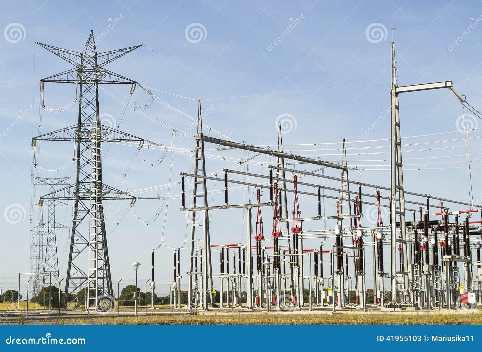 Linie energetyczne elektryczna stacja