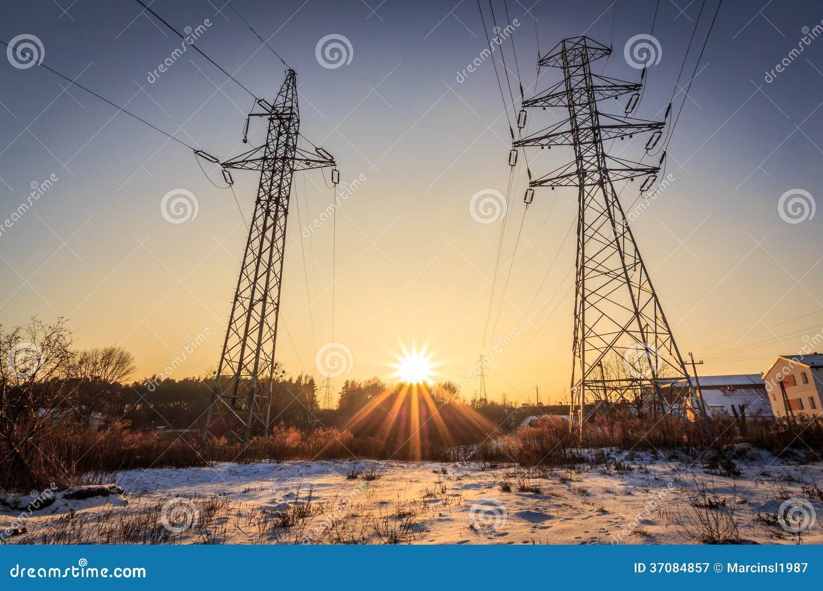Download Linie Energetyczne I Promienie Słońce Obraz Stock - Obraz złożonej z natura, energia: 37084857