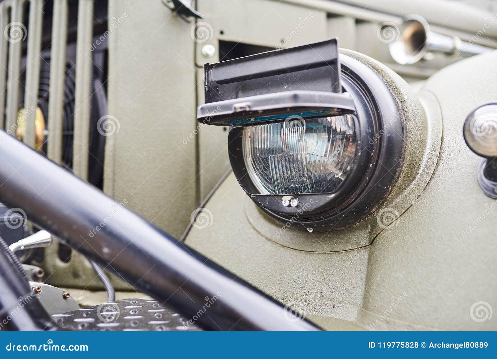 52b18e02d Linterna Acorazada Del Vehículo Militar Foto de archivo - Imagen de ...