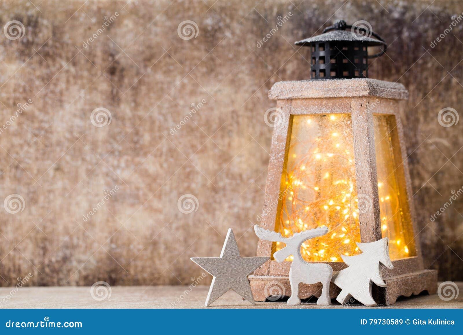 Linterna con el árbol de navidad, decoración de la Navidad Tarjeta de felicitación