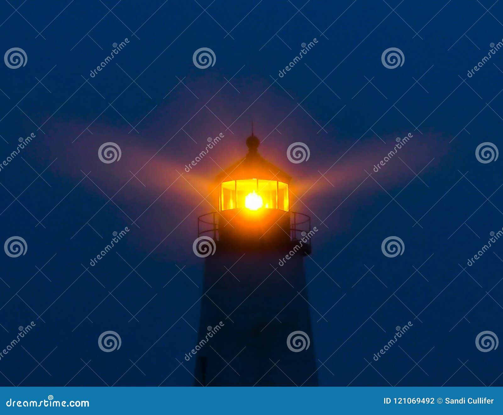 Linterna de emisión del faro