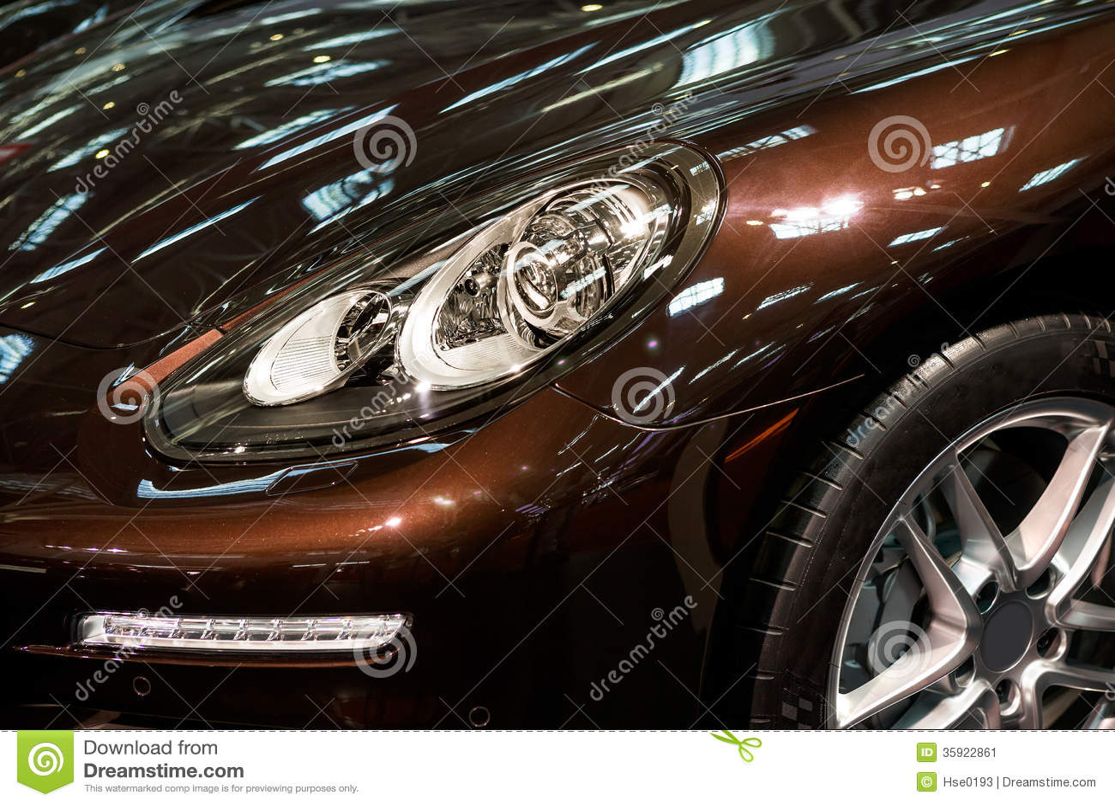 Linterna llevada del coche