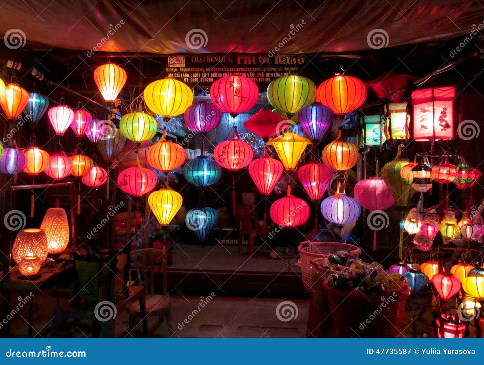 Linternas culorful asi ticas tradicionales en el mercado del chino de la noche fotograf a - Lamparas asiaticas ...