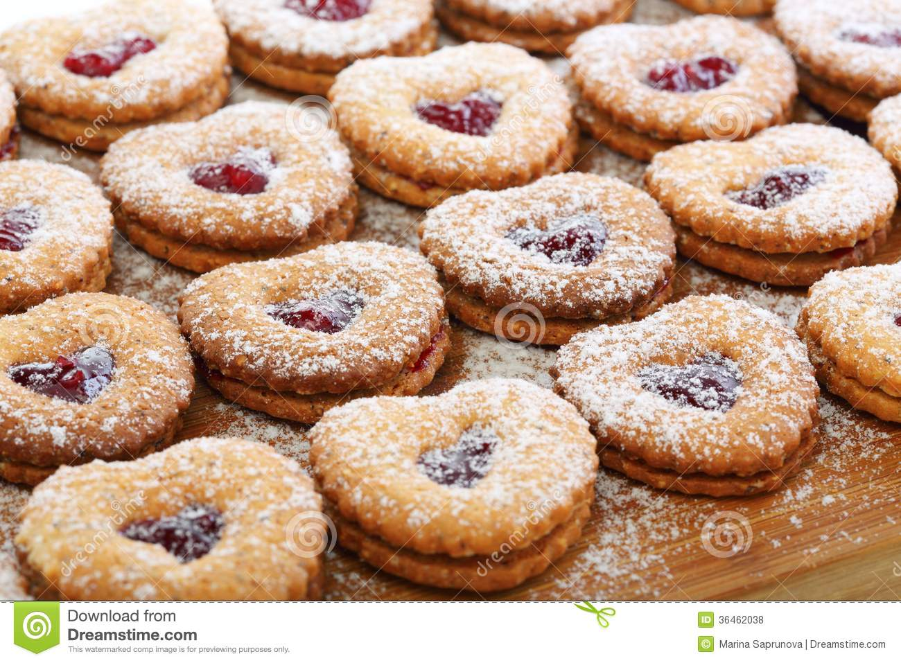 Linzer Cookies With Cherry Jam. Royalty Free Stock Photos - Image ...
