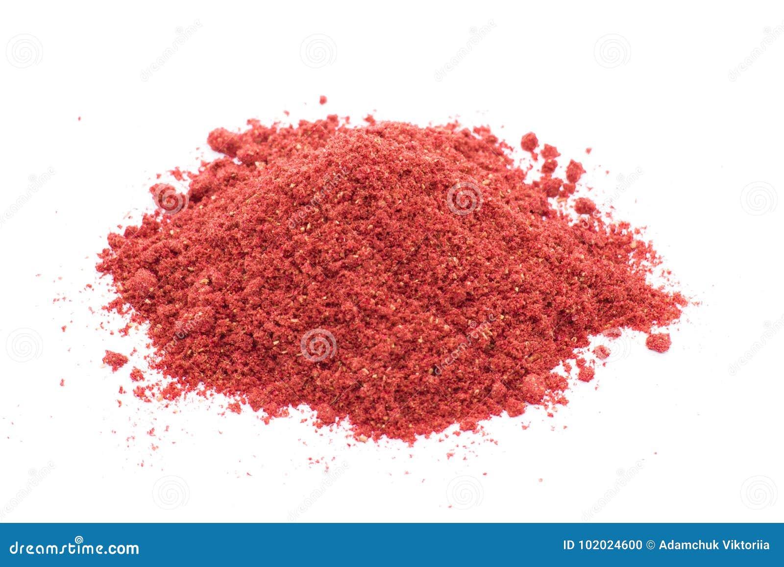Liofilizować truskawki na białym tle, proszek
