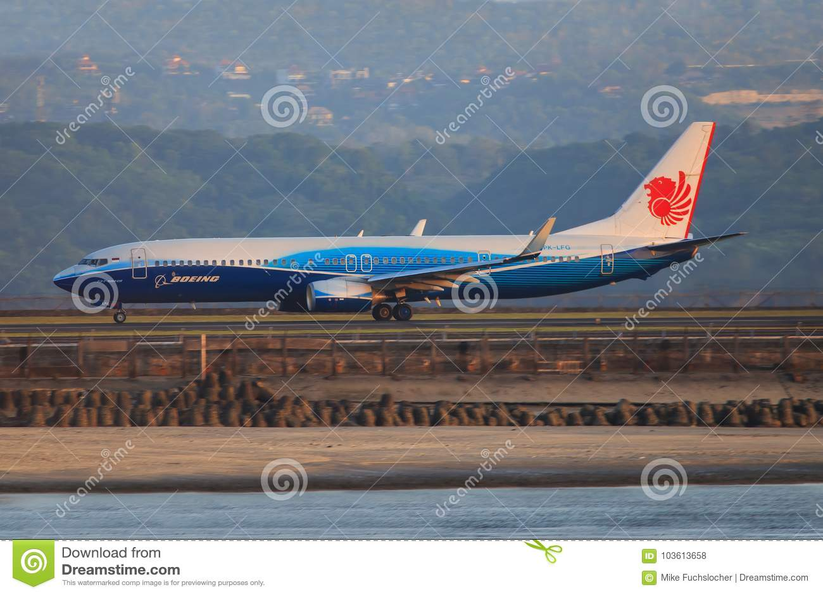 Lion Air Boeing 737-900ER, dps