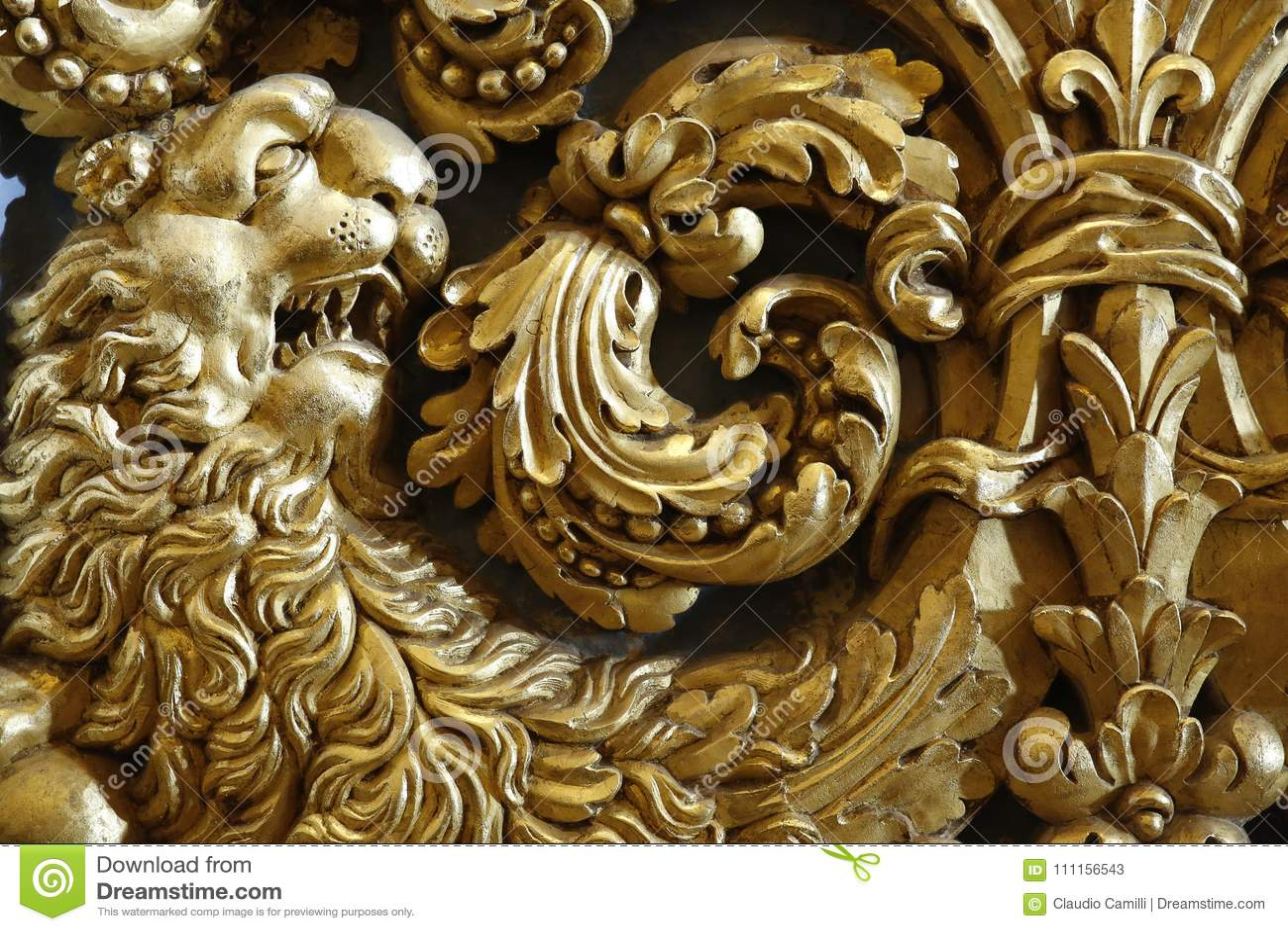 Lion baroque d or
