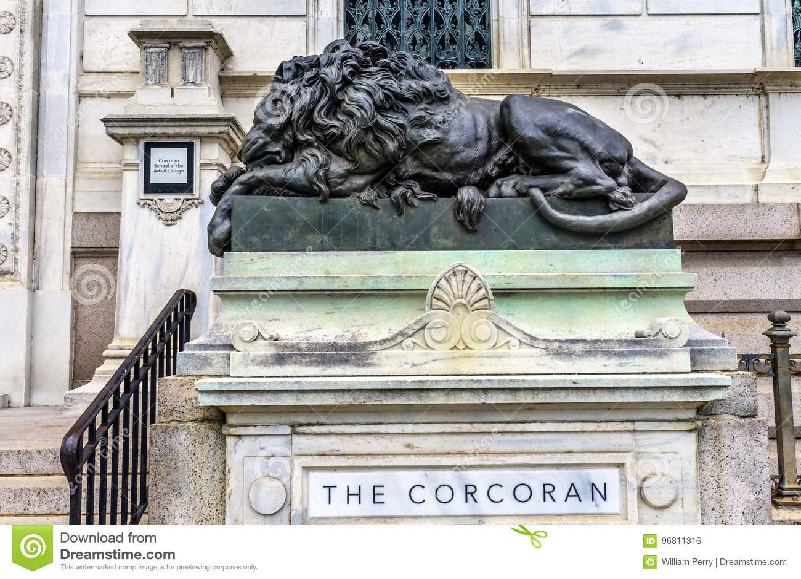 Lion Closed Cochran Gallery triste da C.C. de Art Washington