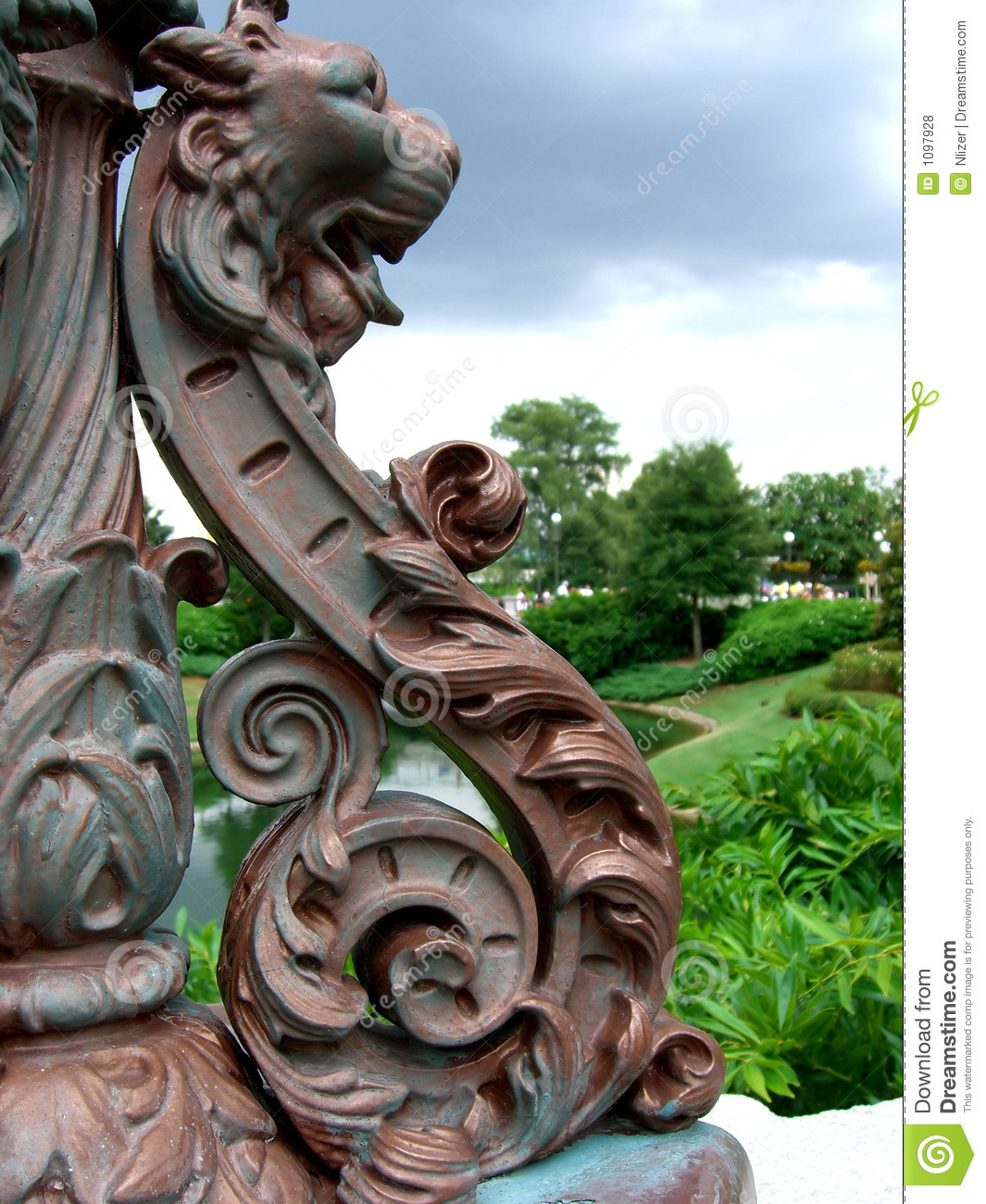 Lion Head Statue With Garden Royalty Free Stock Photos