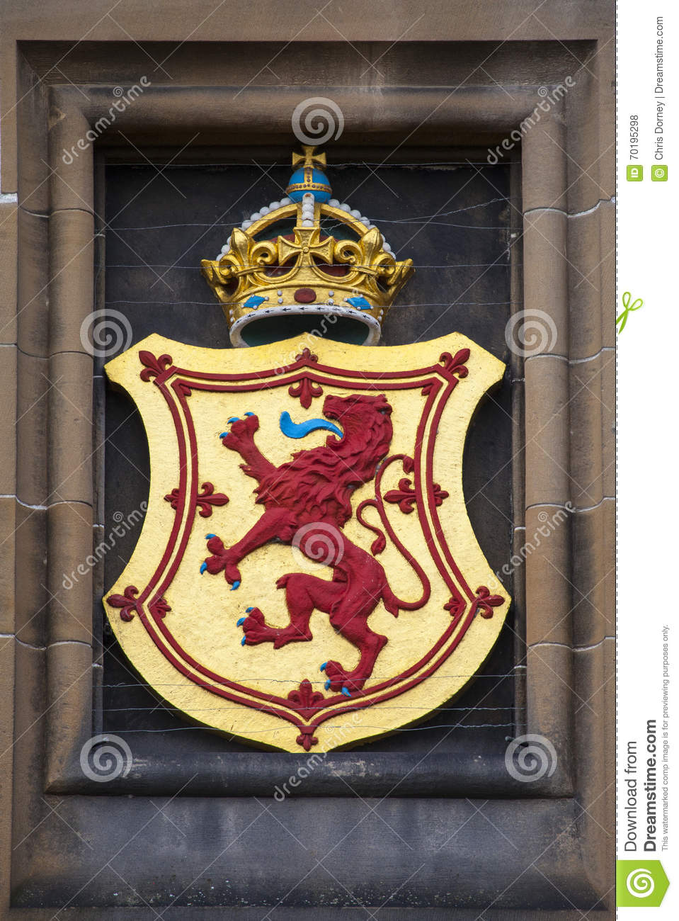 lion rampant crest at edinburgh castle stock photo