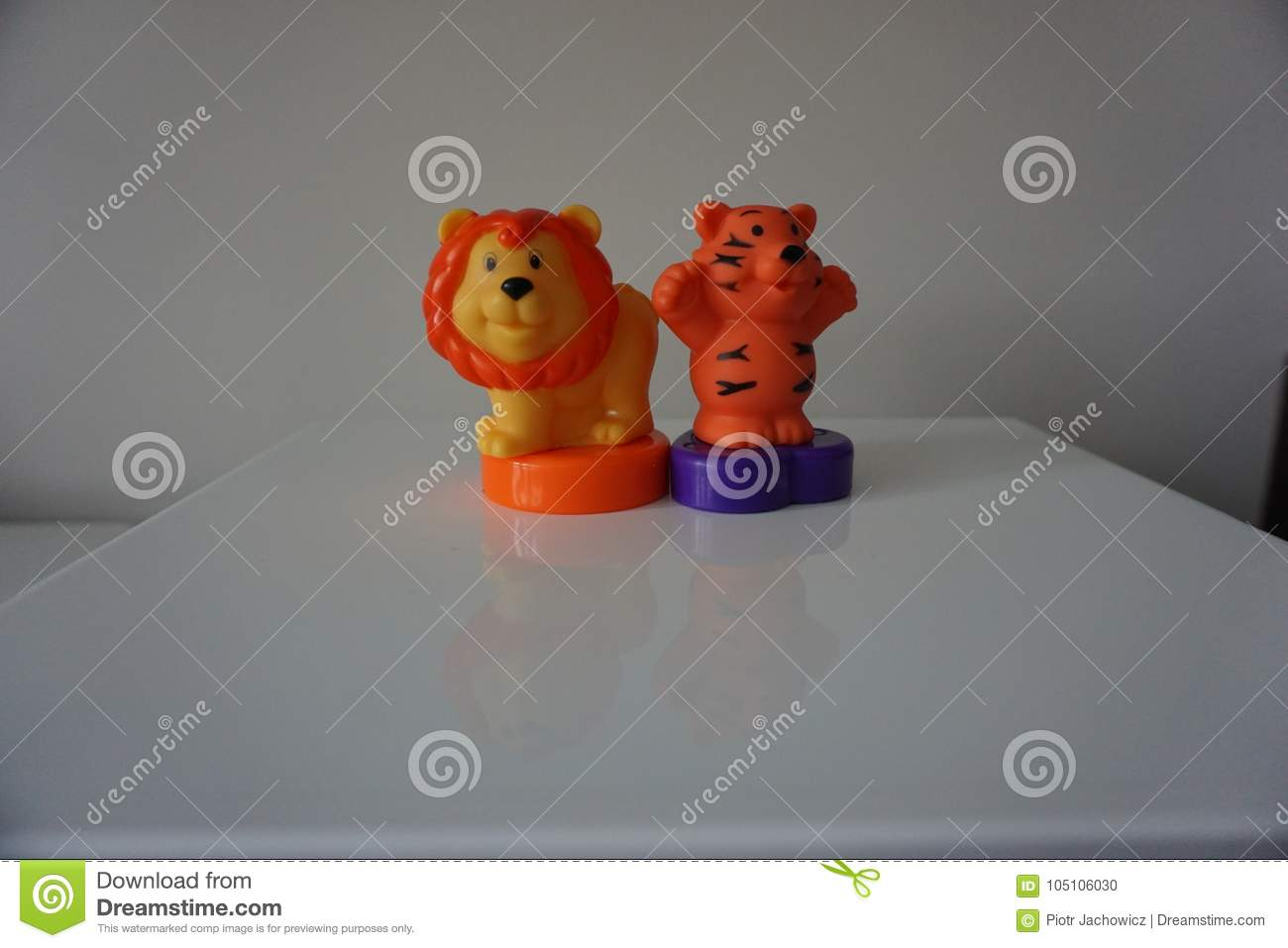 Lion and tiger plastic toys for child