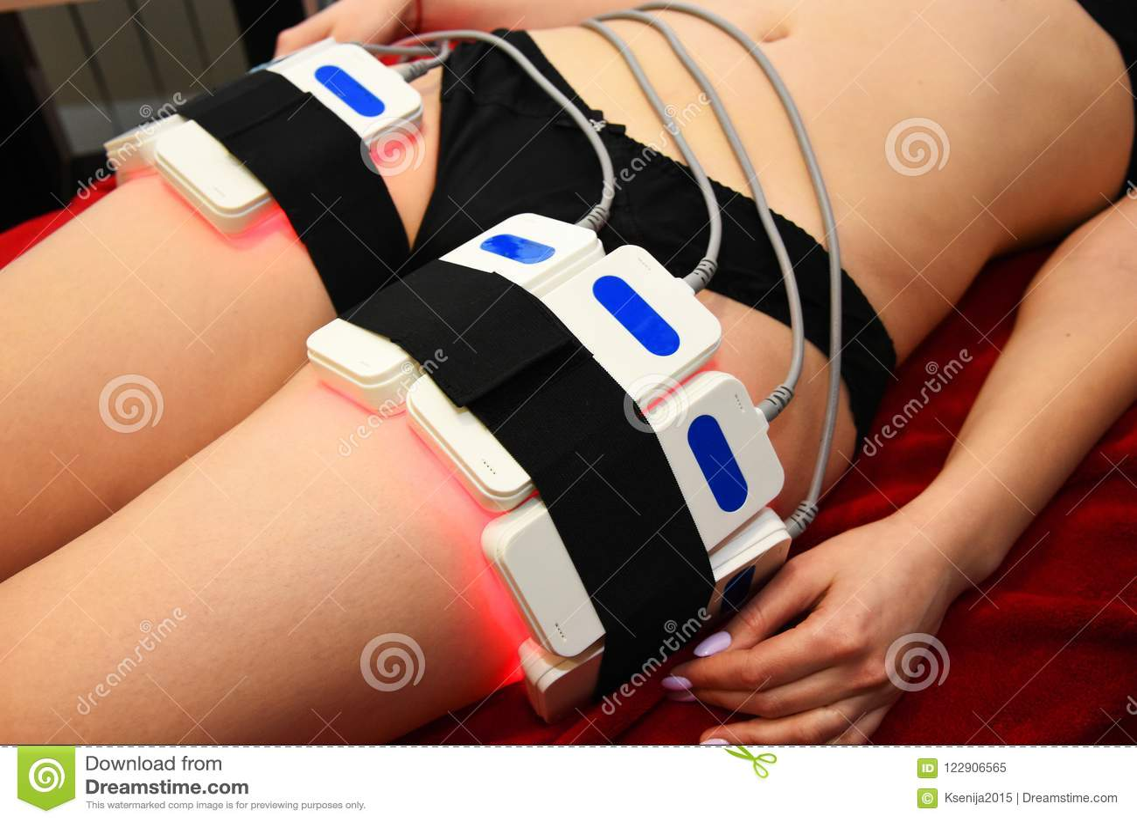 Lipo laser Maskinvarucosmetology kvinna för vatten för brunnsort för hälsa för huvuddelomsorgsfot Non kirurgiskt hugga för kropp