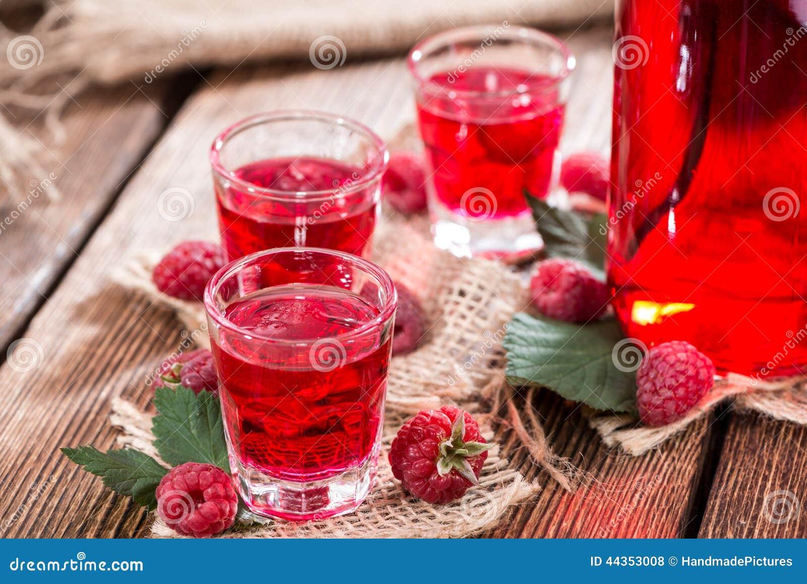 Liquore casalingo del lampone