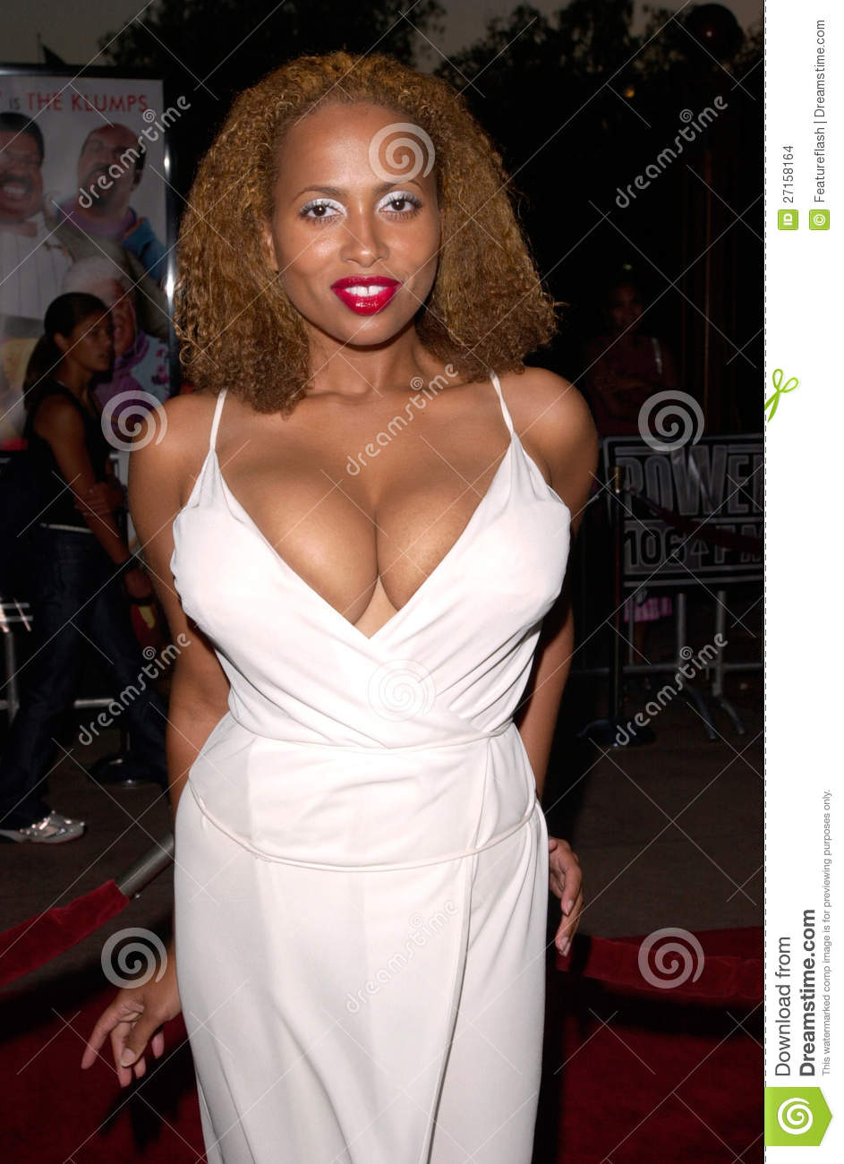 Ally McBeal star LISA NICOLE CARSON at the world premiere, at the ...