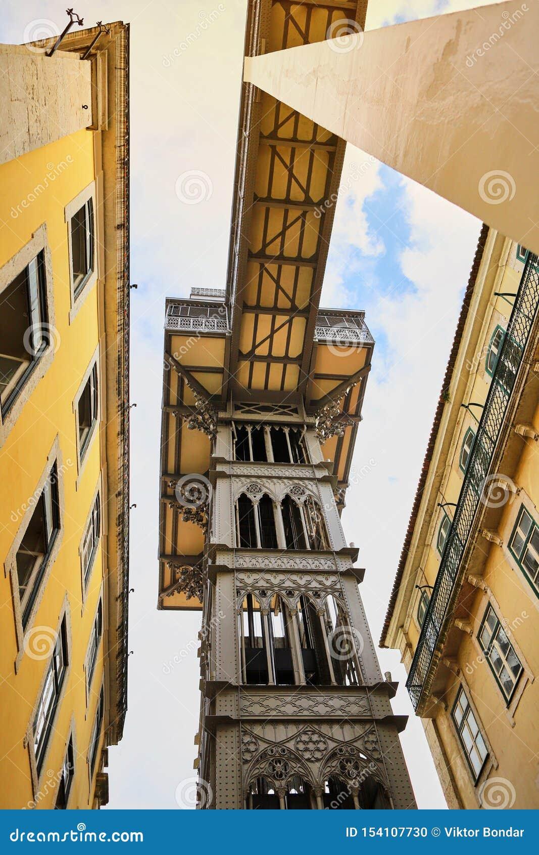 LISBOA, PORTUGAL - 12 de dezembro de 2018 Opinião Santa Justa Lift Elevador de Santa Justa