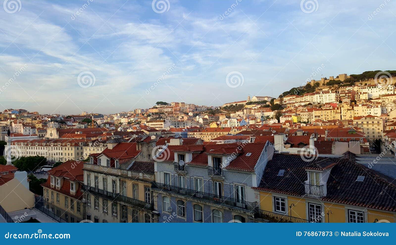 Lisboa telha o curso vermelho da vista