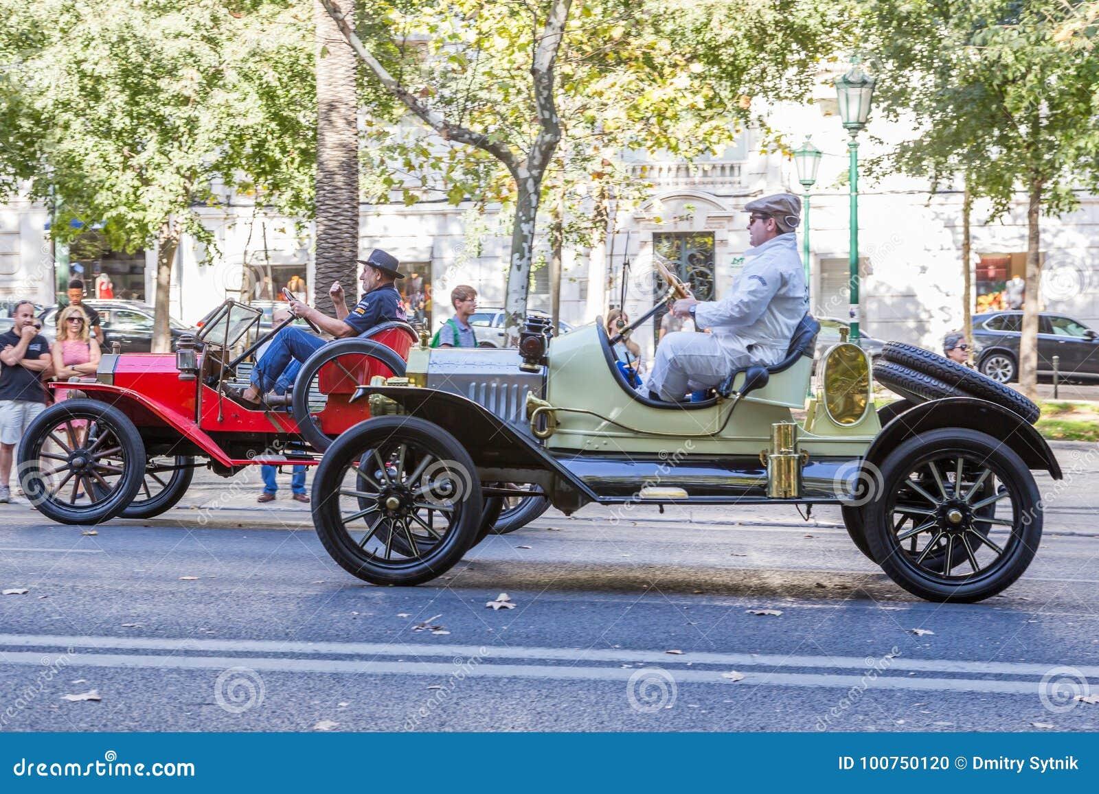 lisbon portugal september 24 2017 reto car show on street o editorial image image of club. Black Bedroom Furniture Sets. Home Design Ideas