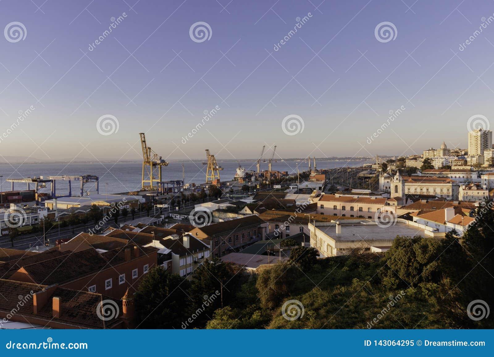 Lissabon-Containerhafen