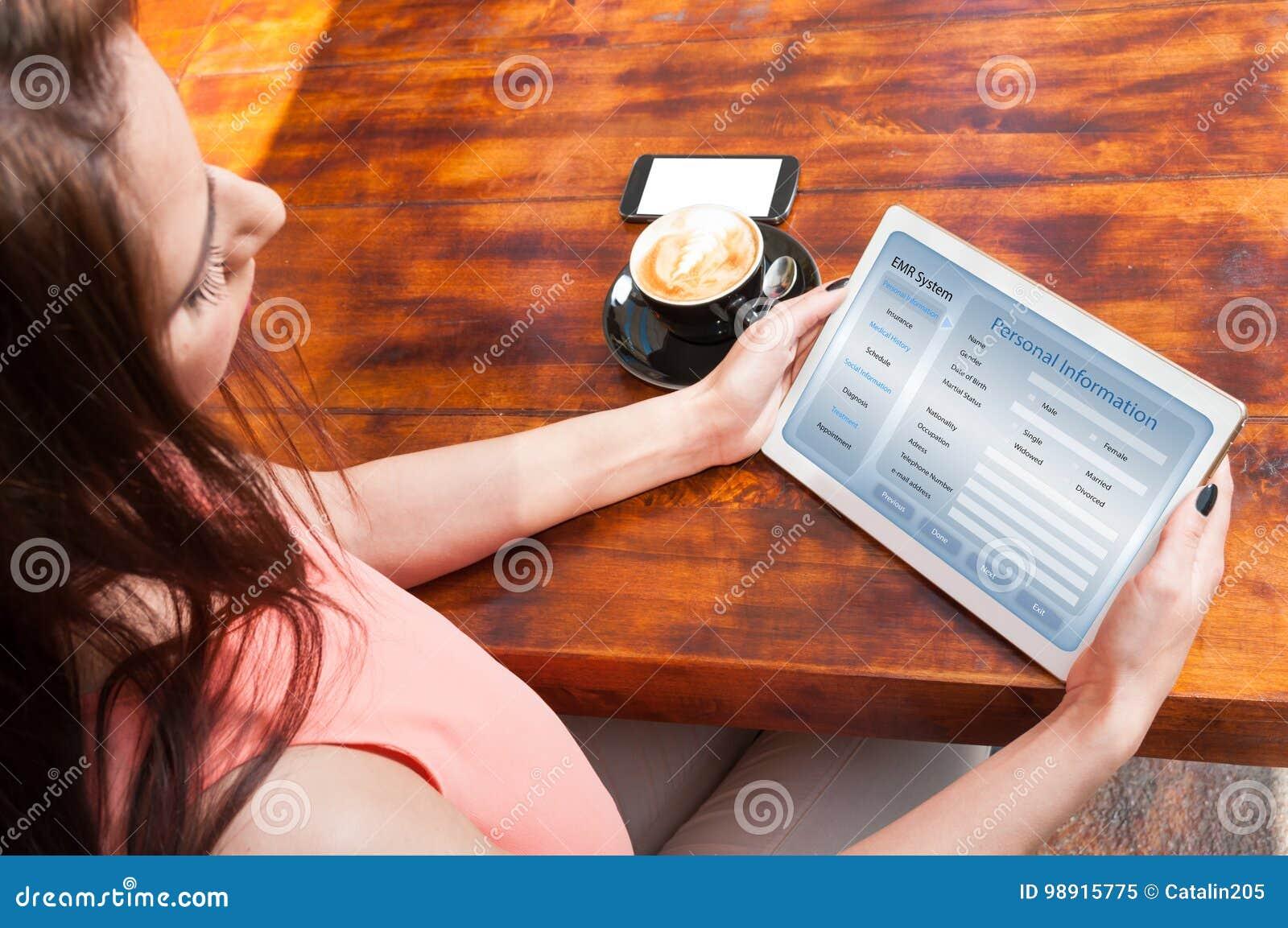 Liste de lecture femelle avec l information personnelle