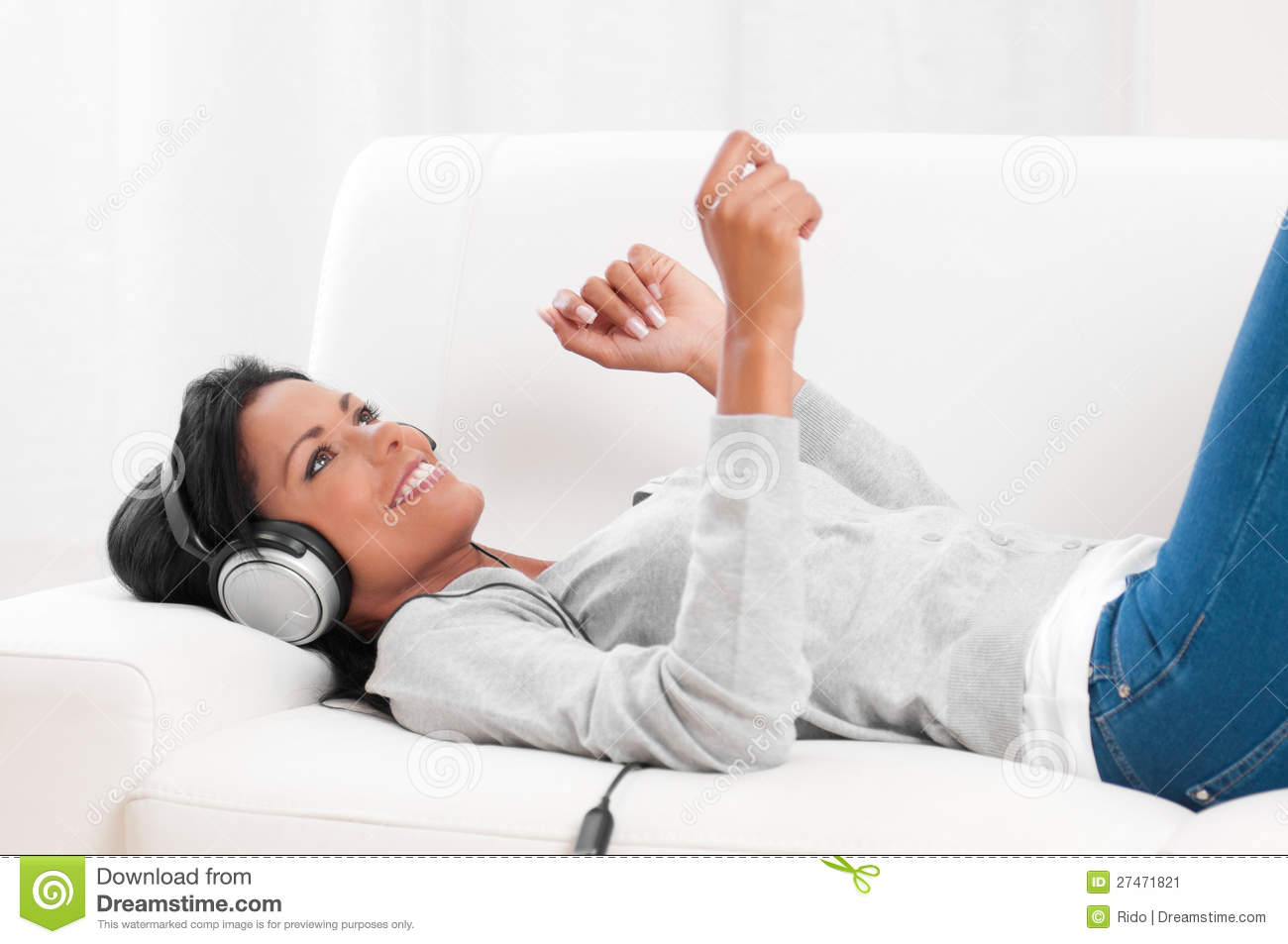 Listening music at home stock image image 27471821 for Listen to house music