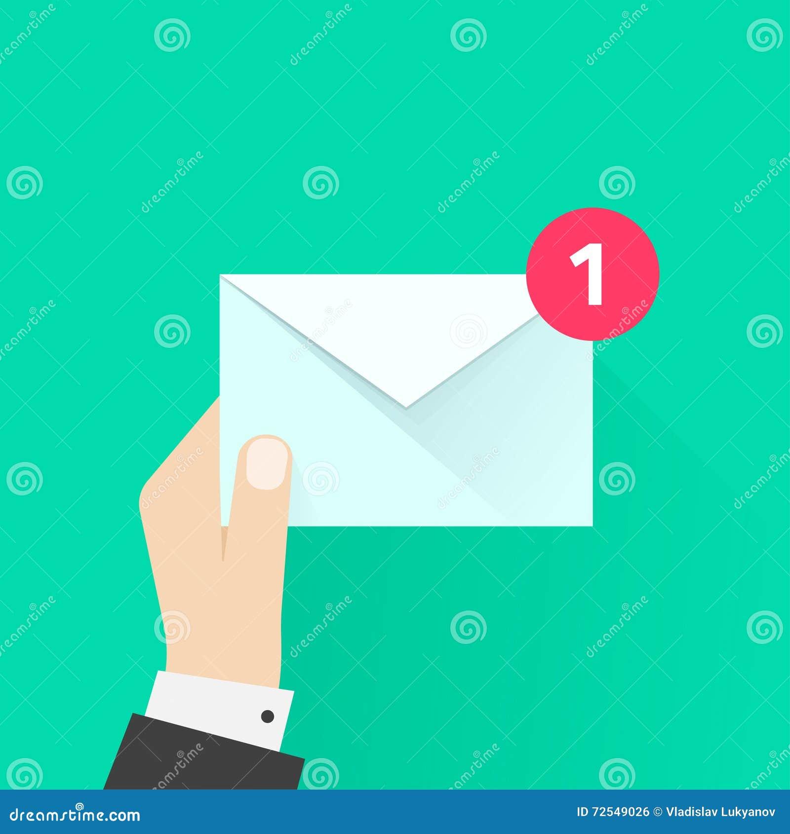 Listonosz ręka z listową kopertą, e-mail, poczta dostawa