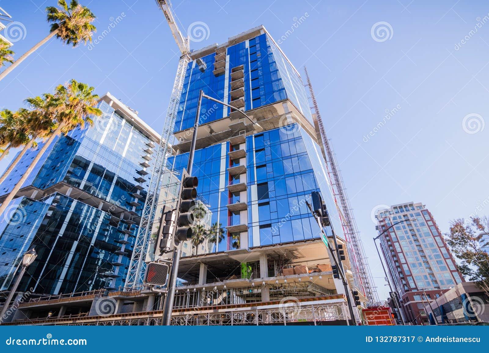 Listopad 25, 2018 San Jose, CA, usa/- Nowy budynek biurowy kantuje