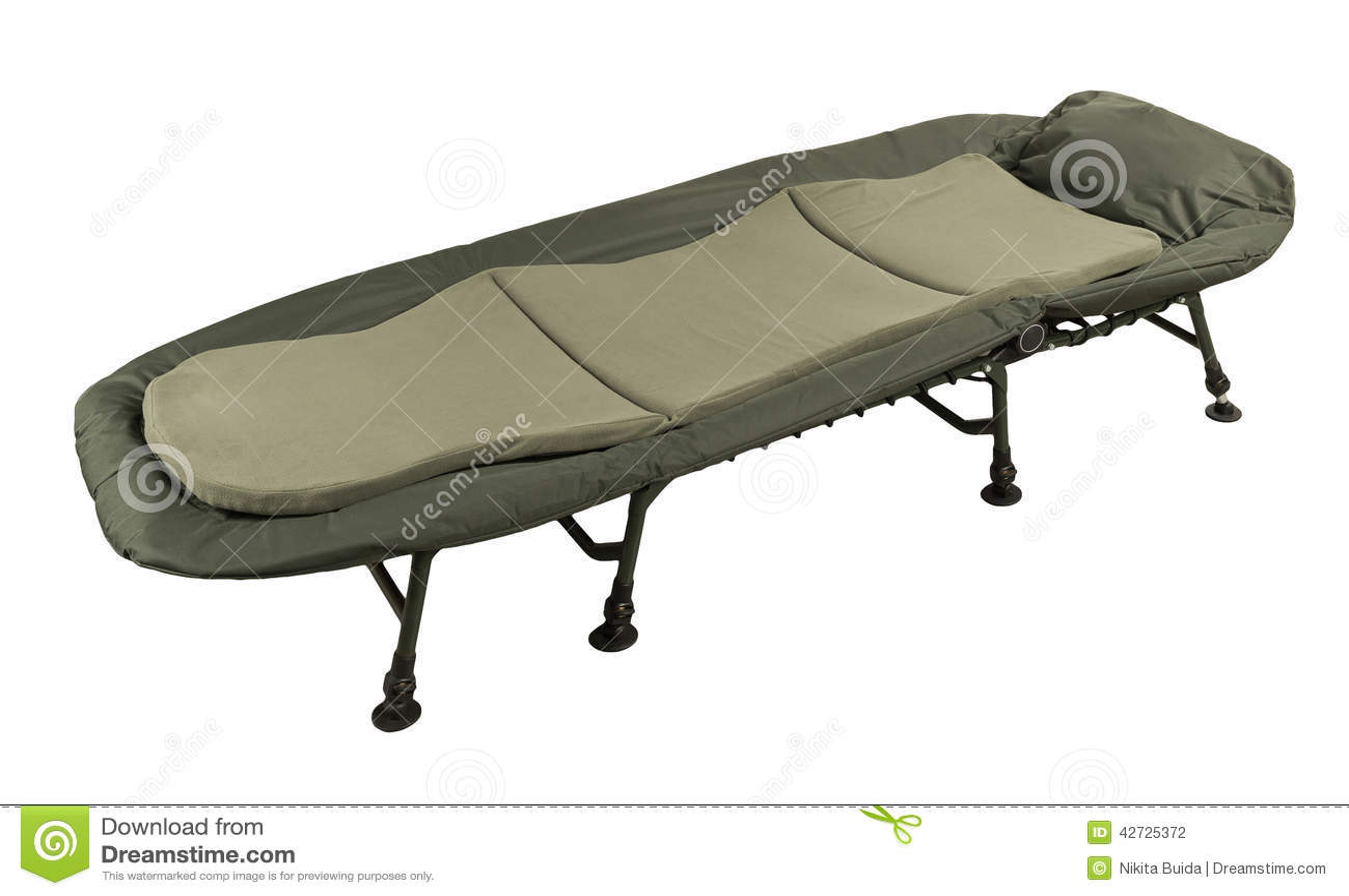 lit de camp photo stock image 42725372. Black Bedroom Furniture Sets. Home Design Ideas
