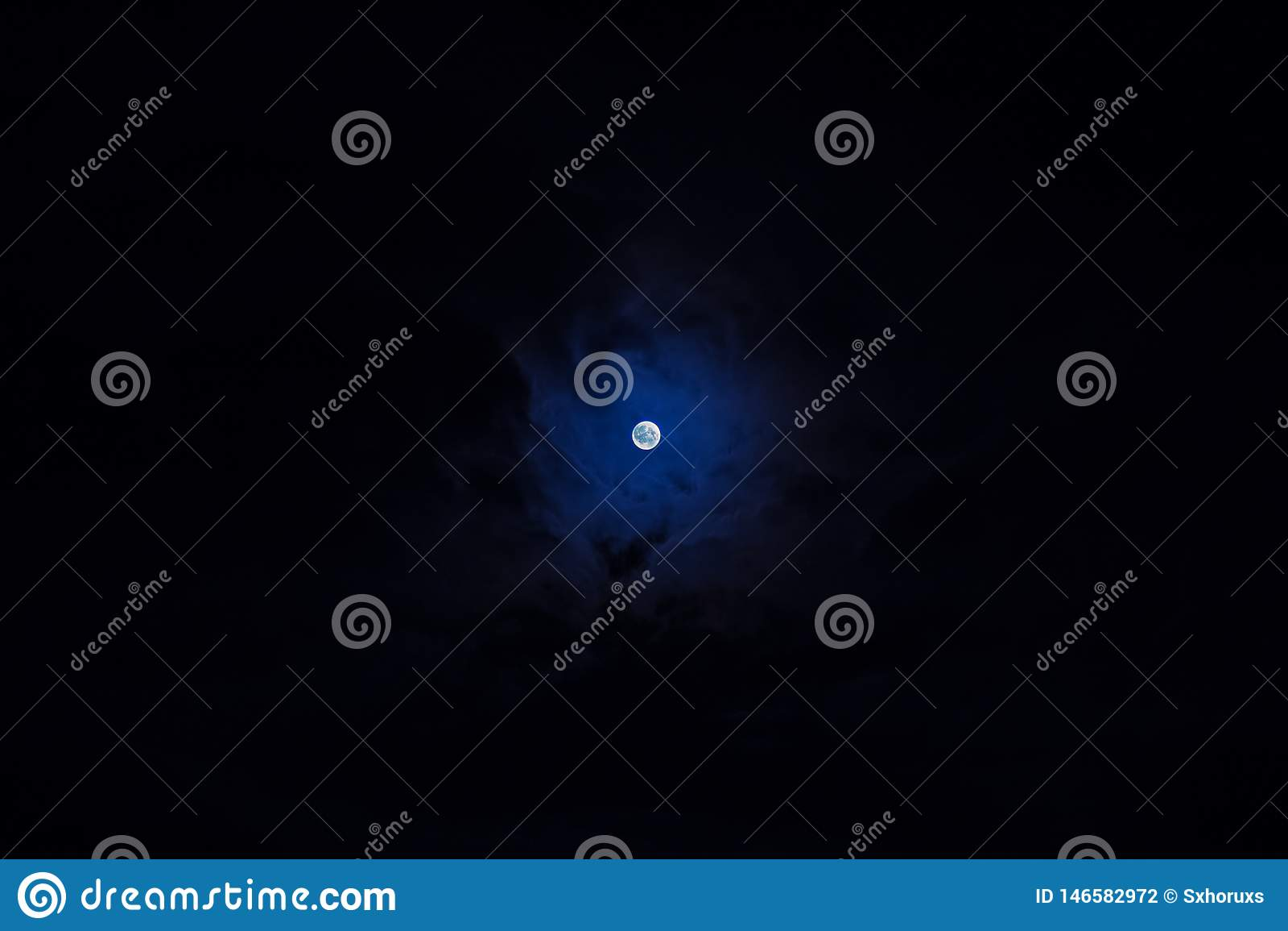 Liten måne för detaljerade blått