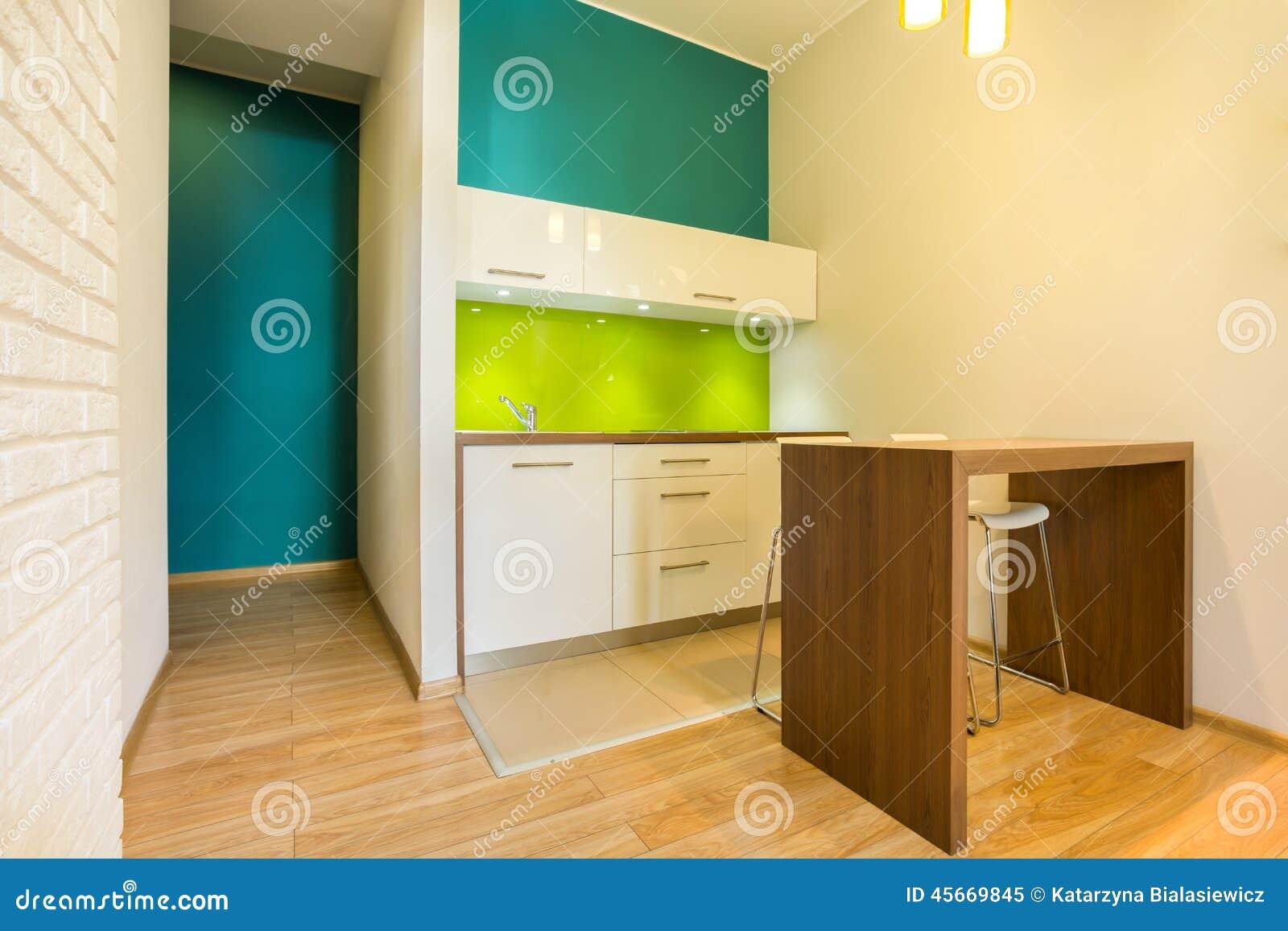 Litet Kök I Ny Lägenhet Arkivfoto - Bild: 45669845
