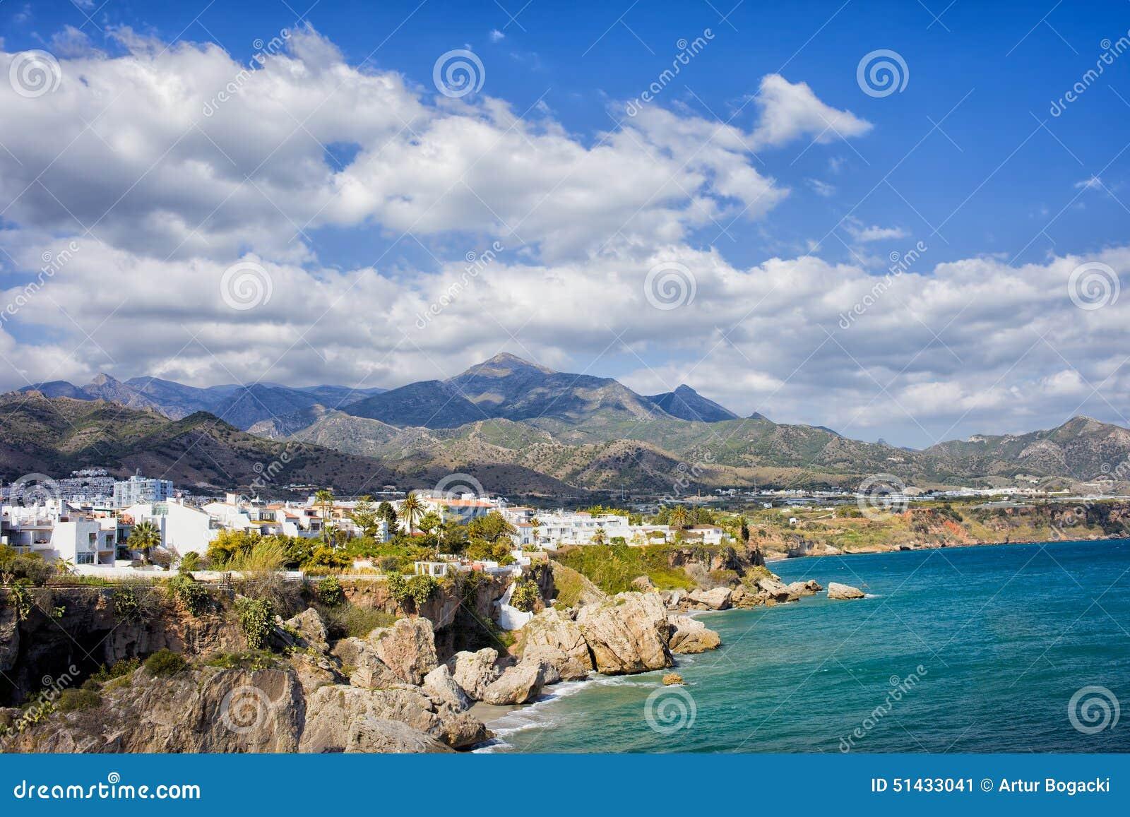 Litoral da cidade de Nerja na Espanha